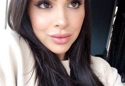 Insta-Famous Australian Bikini Model Raquel Petit Charged with Steroid Trafficking