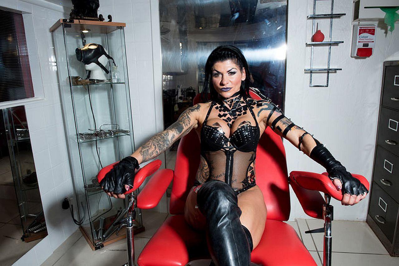 Mistress Dometria Dead at 56 – Dominatrix, Porn Star, Bodybuilder and Steroid User