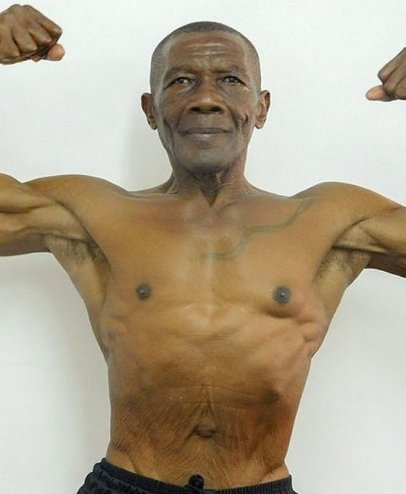 77-Year Old Bodybuilder Discourages Kids from Taking Steroids to Look Like Him