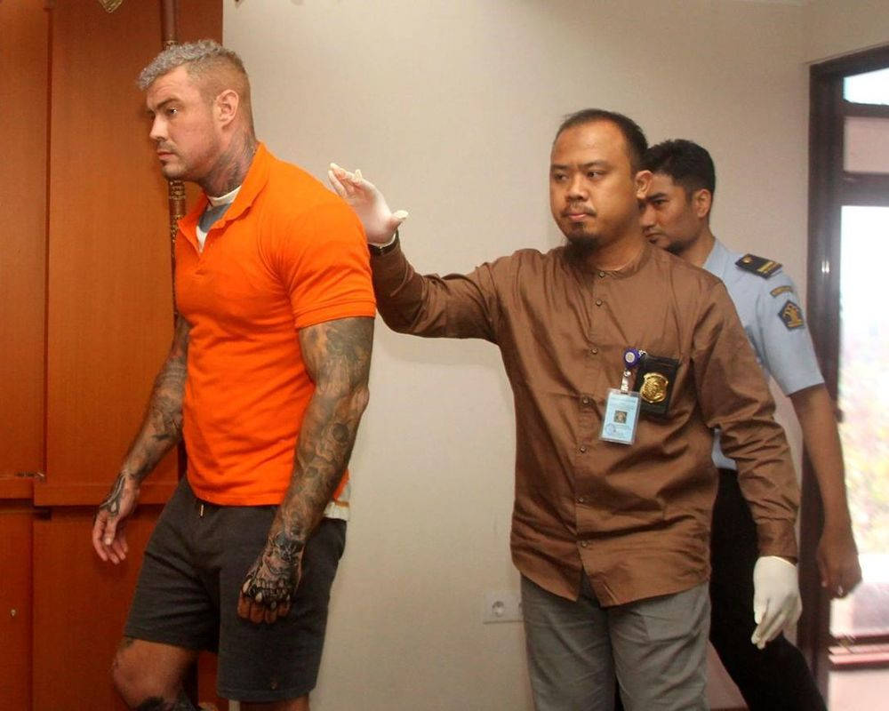 Bodybuilder's Bali Porn Days Come to End with Extradition